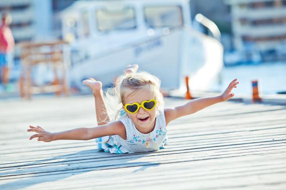 Derfor er det spesielt viktig at barna bruker solbriller