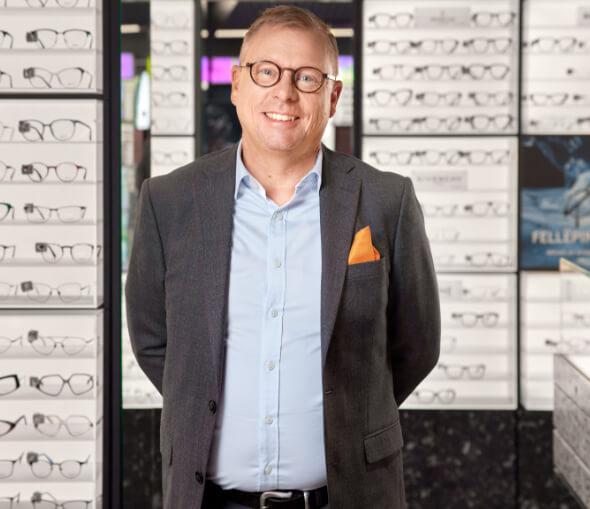 Håkan Broman är expert på glasögon