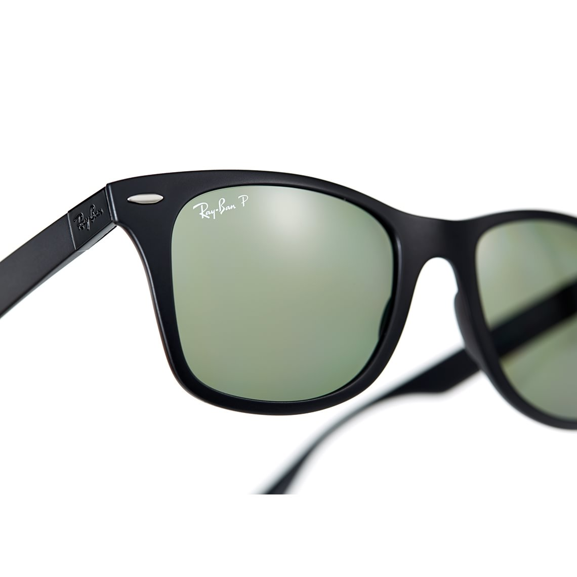 Ray-Ban Wayfarer Liteforce RB4195 601S9A 52